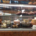 Käse und Wurst im Großarler Troadkastn