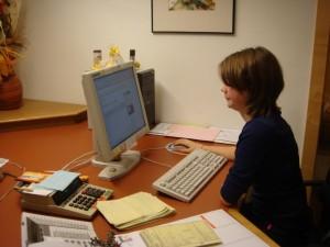 Schnupperlehrling Sarah Huttegger beim Arbeiten
