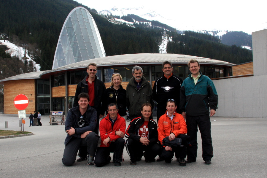 Tourismusfunktionäre Großarltal vor dem Skizentrum Angertal