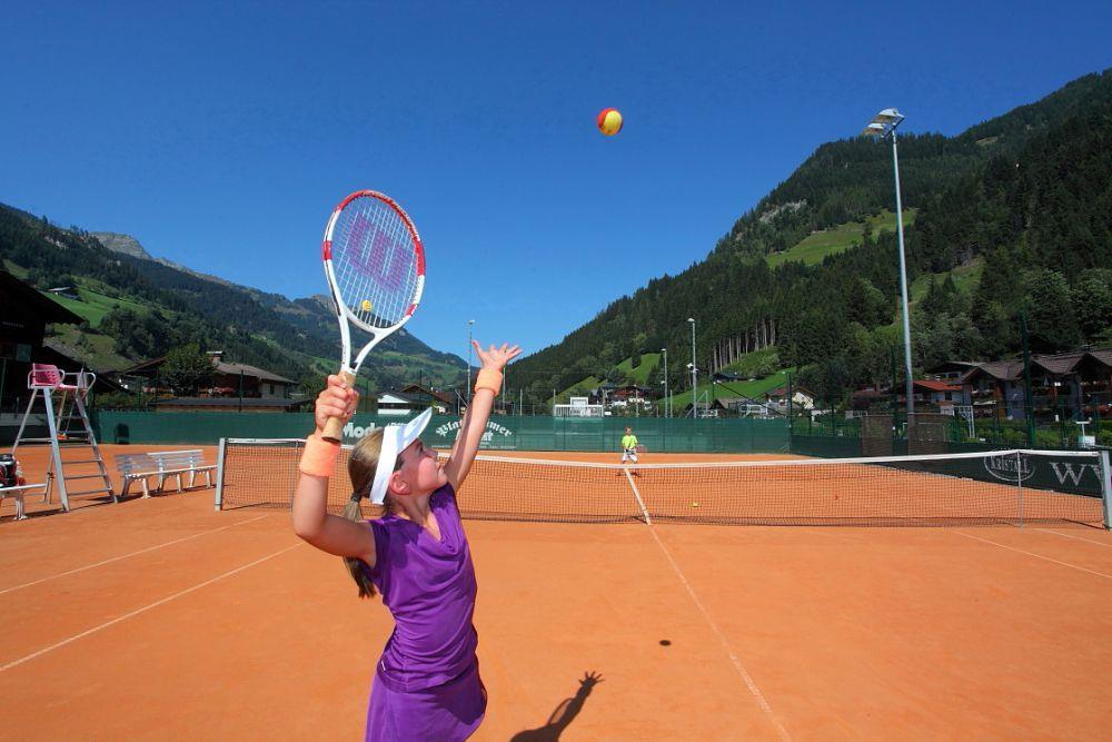 tennis_court_at_the_grossarl_recreation_center, Großarl